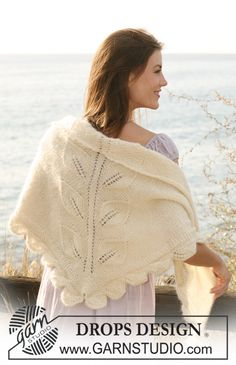 "DROPS shawl with leaf pattern in ""Alpaca"" and ""Kid-Silk"". ~ DROPS Design.  free pattern.  like the leaf motifs"