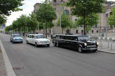 Erlebnis-Stadtrundfahrt und XXL Trabi Safari in weltweit einzigartigen Trabant Oldtimer Stretchlimousinen in Berlin.  Ein außergewöhnliches und unvergessliches Erlebnis mit den Trabi-XXL durch Berlin zu fahren.