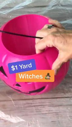 Hallowen Ideas, Easy Halloween Decorations, Halloween Party Decor, Holidays Halloween, Halloween Kids, Halloween Dance, Garden Decorations, Happy Halloween, Halloween Outside