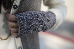 Ravelry: League pattern by Kirsten Joel Knit Mittens, Knitted Gloves, Knitting Stitches, Knitting Patterns, Knit World, Fingerless Mitts, Quick Knits, Knitting Accessories, Couture
