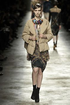 Dries Van Noten Fall 2008 Ready-to-Wear Collection Slideshow on Style.com