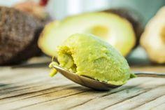 Avokadosta ja pähkinöistä syntyy ihana levite, josta saa kivasti hyviä rasvoja.