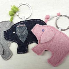 Pig Crafts, Felt Crafts, Diy And Crafts, Sewing Projects For Beginners, Projects For Kids, New Years With Kids, Diy Bags Purses, Holiday Crafts, Holiday Decor