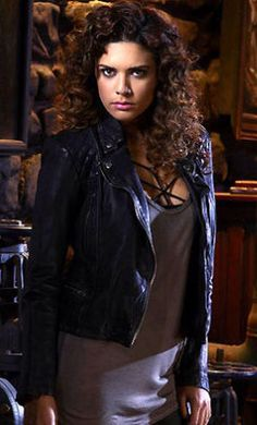 Constantine meets Zed Martin (Angelica Celaya) who is a Psychic and teams up with him to fight evil.