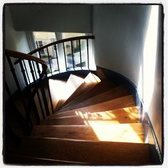 Yay. Sun.  Maybe for 2 minutes. Paris. Sunday. My staircase.
