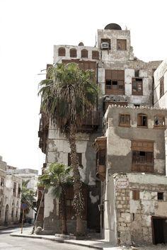 https://flic.kr/p/8KJFiv | Rustic Saudi Building | Old buiding in old Jeddah, Saudi Arabia.