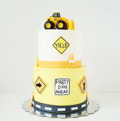 julicantarella• Construction cake •
