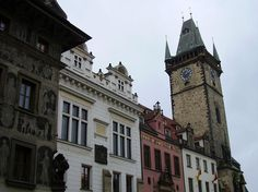 Prague travel guide: If you are planning a trip around Europe the most logical itinerary should include its majestic historical towns like Prague. Prague Travel Guide, Prague Czech Republic, Travel Around Europe, Old Town, Big Ben, Old Things, Town Hall, Old City, Travel In Europe