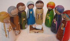 Natividad de muñeca de clavija de madera pintados por MaketheScene