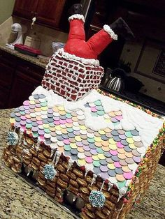 Cool Gingerbread Houses, Gingerbread House Designs, Gingerbread House Parties, Gingerbread Village, Christmas Gingerbread House, Gingerbread Cookies, Gingerbread Decorations, Christmas Goodies, Christmas Treats