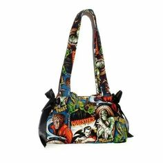 In going to get this!!!!     http://www.inkedshop.com/horror-movie-hollywood-monsters-purse-by-hemet.html