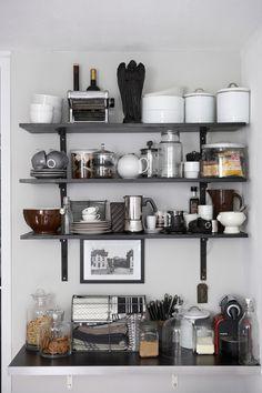 Om jag nån gång skulle byta hyllor i köket...