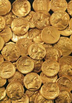 uomo-rinascimentale: Ancient Macedonian gold.