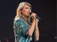 Taylor performing Welcome to New York during the 1989 World Tour in Ottawa Taylor Swift Gallery, Taylor Swift Web, Taylor Swift Pictures, Taylor Alison Swift, The 1989 World Tour, I Wish You Would, 1989 Tour, Role Models, Queens