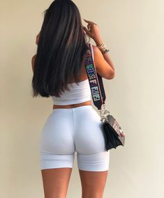 Discovered by PINKC. Find images and videos about girl, fashion and hair on We Heart It - the app to get lost in what you love. Nylons, Shorts With Tights, Leggings, Sexy Hot Girls, Sexy Ass, Gorgeous Women, Videos, We Heart It, Girl Fashion