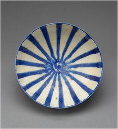 ALIA BILGRAMI Natural elegance [seljuk (iran), kashan bowl, glazed ceramic, c. Glazed Ceramic, Ceramic Clay, Ceramic Plates, Porcelain Ceramics, Ceramic Pottery, Pottery Art, White Ceramics, Glazed Pottery, Blue China