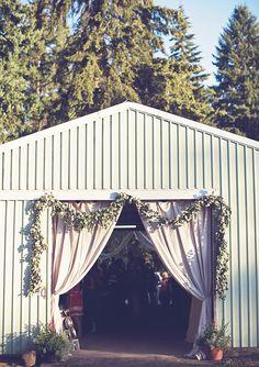 Rustic Oregon wedding | photo by Anthem Photography | 100 Layer Cake