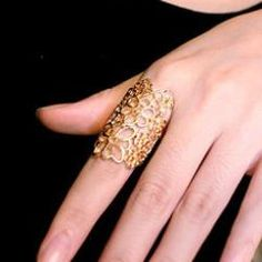 Golden Flower Cutout Ring http://crazyberry.in/online-shopping/artificial-imitation-fashion-jewellery/cutout-lace-flower-gold-plated-ring