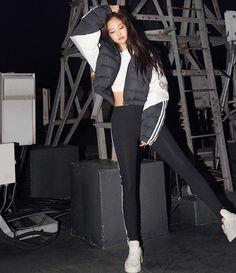 𝙟𝙚𝙣𝙣𝙞𝙚 ———— jhope_ig on twt Blackpink Fashion, Korean Fashion, Fashion Outfits, Kim Jennie, Blackpink Members, Kim Jisoo, Girls Rules, Kpop Outfits, Photo Instagram