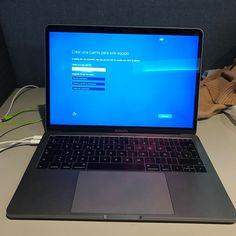 Algunos nos gusta ver el mundo arder #Windows10 #MacbookPro