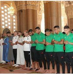 Masha Allah. #morocco National team praying #prayer_is_the_key_to_success #ramadhankareem #roadtorussia #worldcup