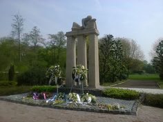 Oorlogsmonument Amsterdam, Town And Country, Netherlands, Sidewalk, War, Memories, Explore, Places, Holland