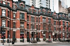 Hotel St. Benedict Flats (1883), 40-50 East Chicago Avenue, Chicago, Illinois by lumierefl, via Flickr