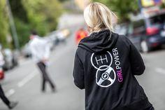 Rally codriver Jeannette wears the Zip-Hoodie of the race car line. Power Girl, Hoodies, Sweatshirts, Zip Hoodie, Strong Women, Rally, Race Cars, Racing, Nascar