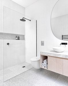 This is my favorite kind of white bathroom idea! The marble tiles, black shower, and huge mirror just completes this bright and white bathroom! Bathroom Renos, Laundry In Bathroom, Simple Bathroom, Modern Bathroom Design, Bathroom Interior Design, Bathroom Ideas, Remodel Bathroom, Bathroom Organization, Minimal Bathroom