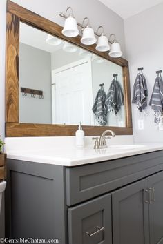 Dreaming of an extravagance or designer master bathroom? We now have gathered together plenty of gorgeous master bathroom ideas for small or large budgets, including baths, showers, sinks and basins, plus master bathroom style tips. Bathroom Mirrors Diy, Bathroom Renos, Bathroom Renovations, Bathroom Interior, Modern Bathroom Design, Bathroom Ideas, Bathroom Organization, Master Bathrooms, Minimal Bathroom