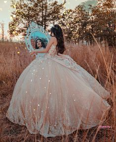 Quince Dresses Mexican, Mexican Quinceanera Dresses, Quinceanera Themes, Quince Pictures, Sweet 15 Dresses, Quinceanera Photography, Fantasy Gowns, Princess Ball Gowns, Photoshoot