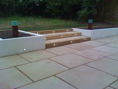 Ideas For Patio Garden Wall Back Garden Design, Backyard Garden Design, Diy Garden, Backyard Landscaping, Patio Steps, Garden Steps, Garden Wall Lights, Tiered Garden, Patio Lighting
