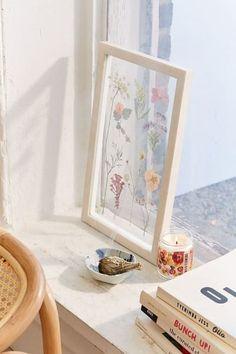 Best Plant-Inspired Decor: Pressed Floral Frame