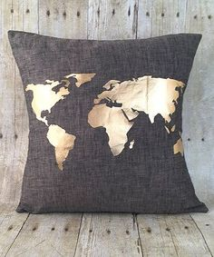 >> Romantic Gold World Map Throw Pillow