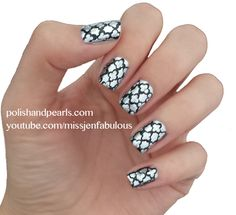 Quatrefoil Nails - courtesy of Polish and Pearls Different Nail Designs, Simple Nail Designs, Nail Art Designs, Fabulous Nails, Gorgeous Nails, Pretty Nails, Luv Nails, Fancy Nails, Gradient Nails