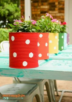 Tin can flower garden Tin can flower garden, # tin can # flower garden This . # tin can # flower garden Backyard Fences, Garden Fencing, Pool Fence, Garden Landscaping, Tin Can Crafts, Crafts For Kids, Wooden Crafts, Wooden Diy, Garden Projects