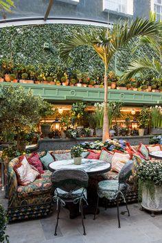 Restaurant Trends, Outdoor Restaurant, Restaurant Interior Design, Greenhouse Cafe, Cozy Coffee Shop, Restaurants, Garden Coffee, Outdoor Dining, Outdoor Decor