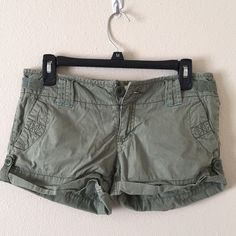 American eagle hunter green shorts. Size 4 Good condition!! Very comfortable!! American Eagle Outfitters Shorts