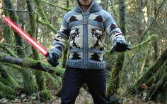 Star Wars Sweater - Sadly no pattern for this :( But if I could figure out the pattern I'd love to make a vest! Knitting Yarn, Knitting Patterns, Knitting Ideas, Dressmaking, Motorcycle Jacket, Knit Crochet, Star Wars, Hoodies, Stars
