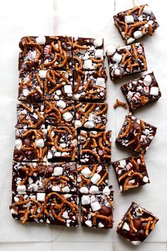 Peppermint Pretzel Marshmallow Fudge