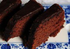Torta de chocolate con baño de cacao