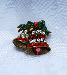 Vintage Christmas Pin Brooch Holiday Pin c1950s by footbridgecove1, $38.00