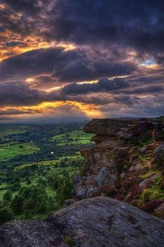 A stormy sunset at Curbar Edge, Peak District, Derbyshire, UK. One of my favourite places in the world. Beautiful Sky, Beautiful World, Beautiful Landscapes, Beautiful Places, Places Around The World, Around The Worlds, Peak District, English Countryside, Belleza Natural