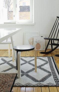 layered rugs via Varpunen