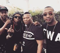"""Lil Wayne Reunites With Mannie Fresh On Stage At Red Bull Guest House 2015 [Pictures]- http://getmybuzzup.com/wp-content/uploads/2015/03/439796-thumb.jpg- http://getmybuzzup.com/lil-wayne-reunites-with-mannie/- By Danny M Yesterday, Lil Wayne performed live during Red Bull Guest House 2015 at the Sagamore, The Art Hotel in Miami, Florida. During his set, Tunechi also reunited with Mannie Fresh on stage and they performed """"Go DJ"""" live together for the crowd. You can view p"""