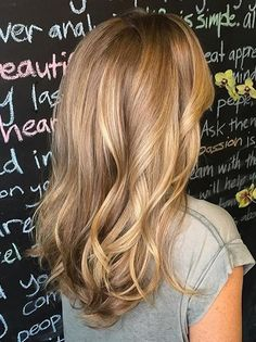 Honey gold tones, so sweet. Color by Mikey at the Horse Meat Disco Salon (what a groovy name!).