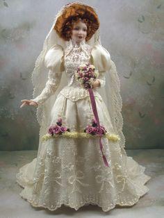 Scale Dollhouse Miniature Victorian/Edwardian Porcelain Bride Doll * Jessamine * by Terri Davis Victorian Dolls, Victorian Bride, Victorian Dresses, Vintage Dolls, Blonde Bride, Bride Dolls, Dollhouse Miniatures, Dollhouse Dolls, Dollhouse Clothing