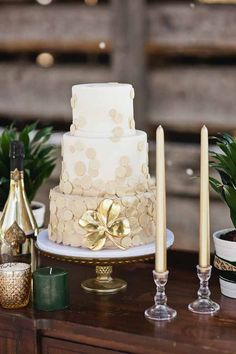 St. Patrick's Day wedding ideas #green #emerald // cake [JJ Horton Photography for J.Leigh Events]