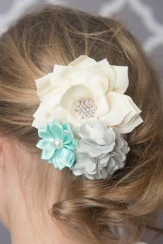 Ivory, mint, and grey hair clip.  * La Bella Rose Boutique. Girl's hairstyles, fall hair accessories, picture day hair, flower girl hair, baby girl hair bows.