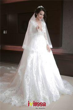 Những mẫu váy cưới trắng tinh khiến phái đẹp mê mẩn - http://www.iviteen.com/nhung-mau-vay-cuoi-trang-tinh-khien-phai-dep-me-man/ Chất liệu mềm mại, nhẹ nhàng cùng kĩ thuật cắt may, xử lítinh tế sẽ giúp cô dâu trông thật quyến rũ, nổi bật trong ngày trọng đại.  #iviteen #newgenearation #ivietteen #toivietteen  Kênh Blog - Mạng xã hội giải trí hàng